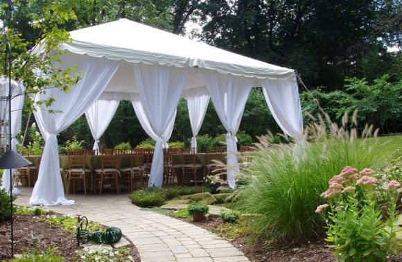 5 Extras to Consider When Renting a Party Tent